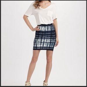 BCBGMAXAZRIA Med Navy White Tie Dye Bodycon Skirt